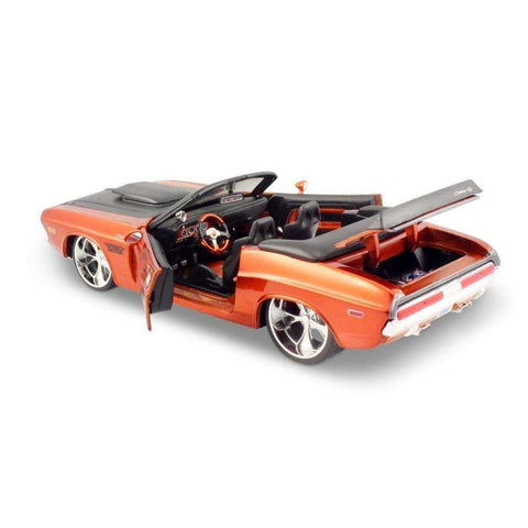 1970 Diecast Dodge Challenger R/T Model Sports Car