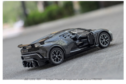 1:32 Carbon Fiber Bugatti Centodieci Diecasts & Toy Vehicles Metal Toy Car Model High Simulation Pull Back Collection Kids Toys