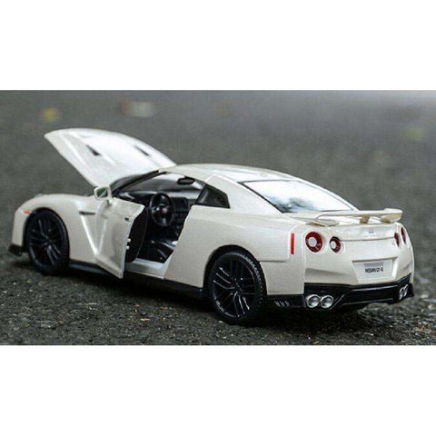 "2017 Diecast Model ""Nissan Skyline"" GT-R 35 Race Car"