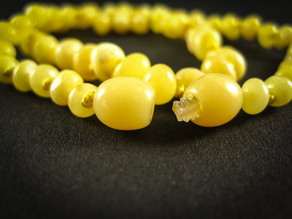 amber teething necklace, milky, yellow, egg-yolk polished beads, plastic screw clasp, healing, succinic acid, genuine baltic amber, for babies and nursing mums, made in poland