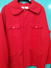 XL Red Woolrich Coat with front pockets and quilted satin lining