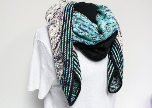 Eyeball Shawl by Stephen West - Baah Yarn Knitting Kit