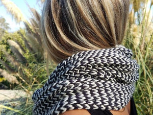 Accordion Cowl Knitting Kit