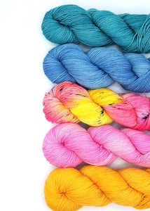 Casapinka Mixology Knitting Kit Baah Yarn