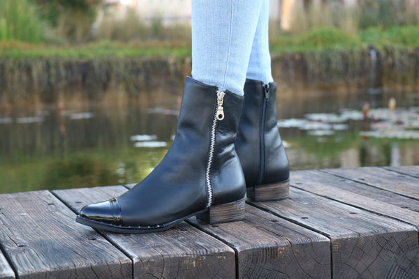 Shanti's Handmade Black & Glossy black Leather Zippered Boots