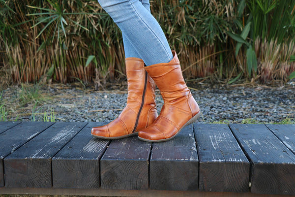 Brash Camel Leather, Handmade Boots, Leather Boots,  Zippered Boots, Women Boots, Ankle Boots, Winter Boots, Handmade Shoes, Wide Fit