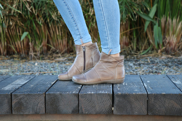 Gray Leather, Handmade Boots, Leather Boots, Zippered Boots, Women Boots, Ankle Boots, Winter Boots, Handmade Shoes, leather booties