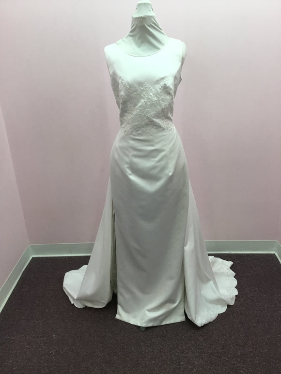 Sleeveless Bridal Gown