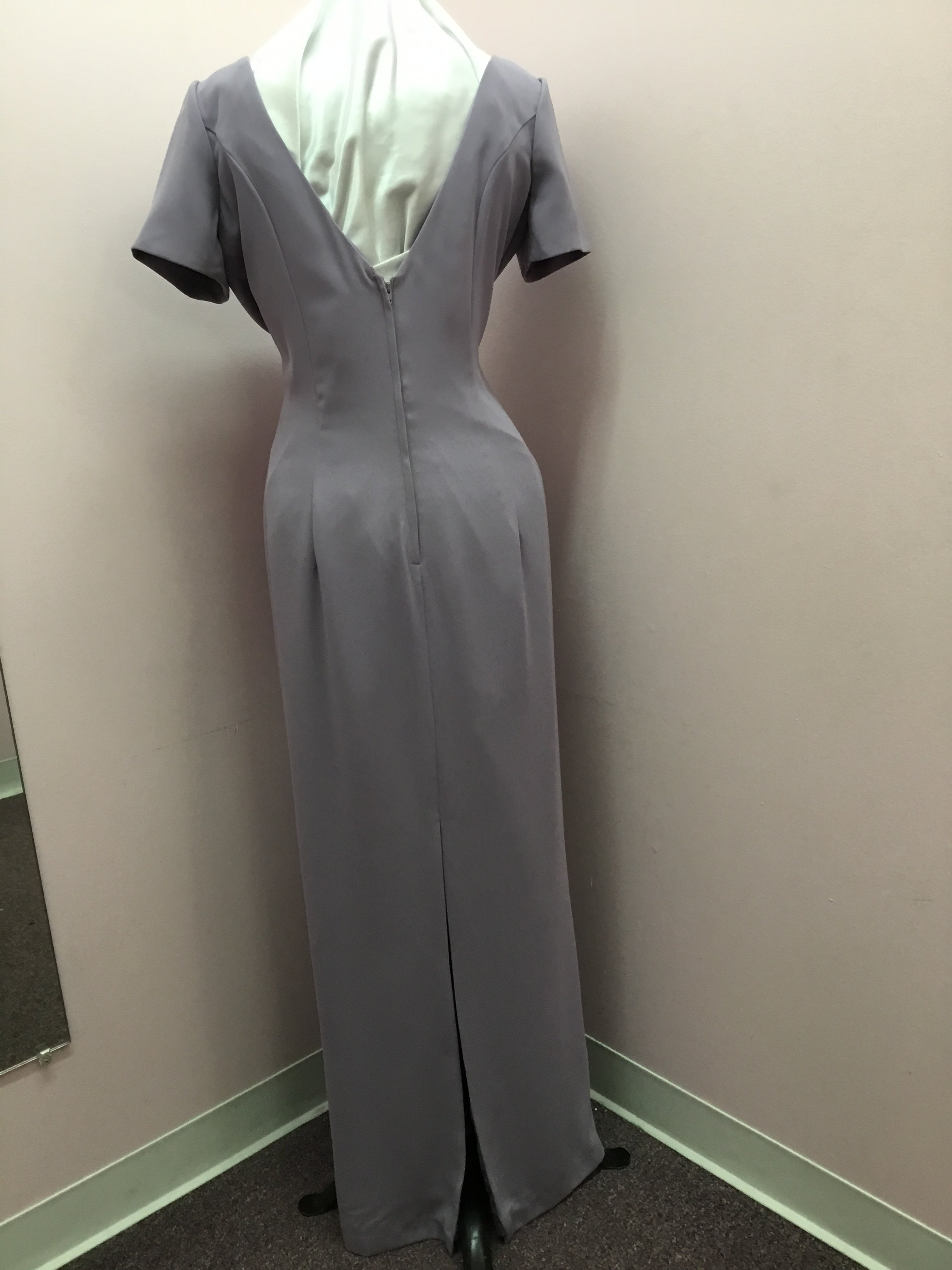 Dusty Lavender Short Sleeve Gown