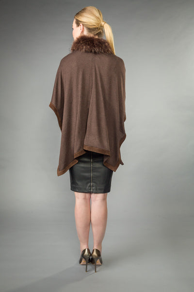 SILK/VISCOSE blend OPEN PONCHO trimmed w/SUEDE. Removable RACCOON collar. Brown