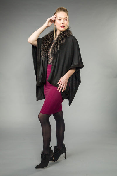 SILK/VISCOSE blend OPEN PONCHO trimmed w/SUEDE. Removable RACCOON collar. Black