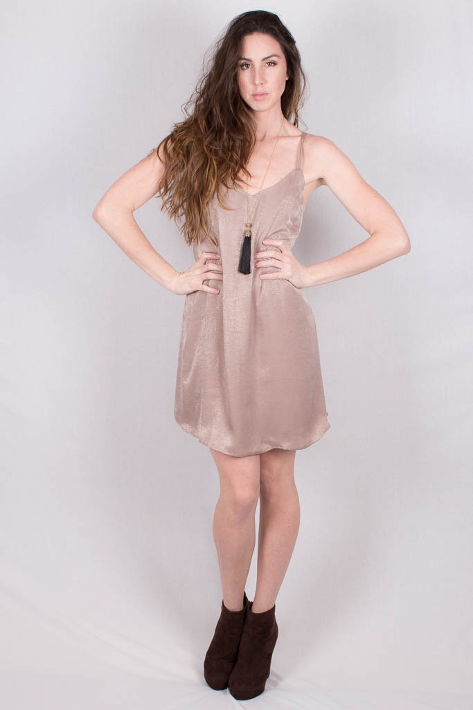 Glamour taupe dress