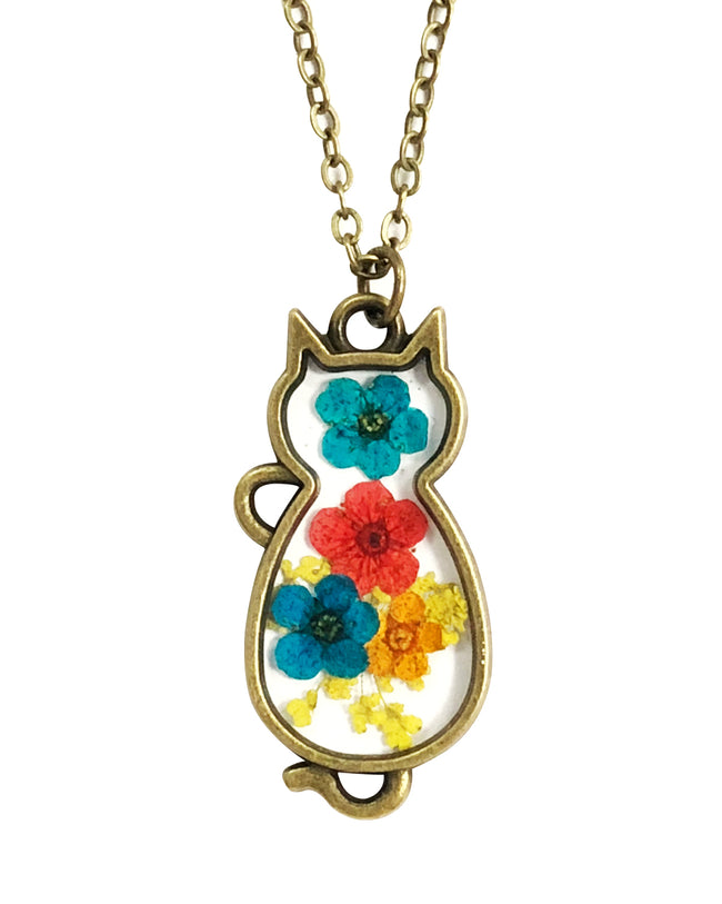 Wrapables® Dry Flower Cat Pendant Necklace