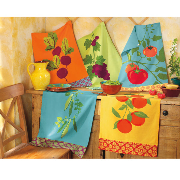 Jardin Fruits & Vegetables Dishtowel - Peapod