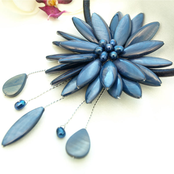Navy Blue Shell Flower Necklace, 17.7 inches