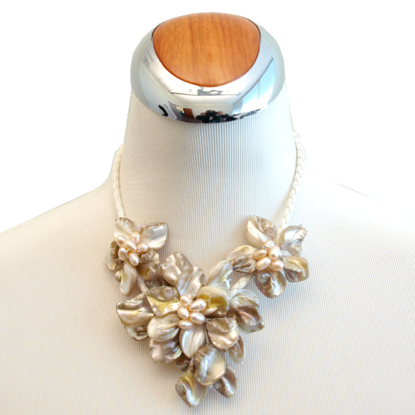 Elegant White Shell Floral Bouquet Necklace, 17.3 Inches
