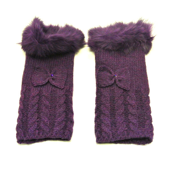 Wrapables Furry Winter Mitten with Bow