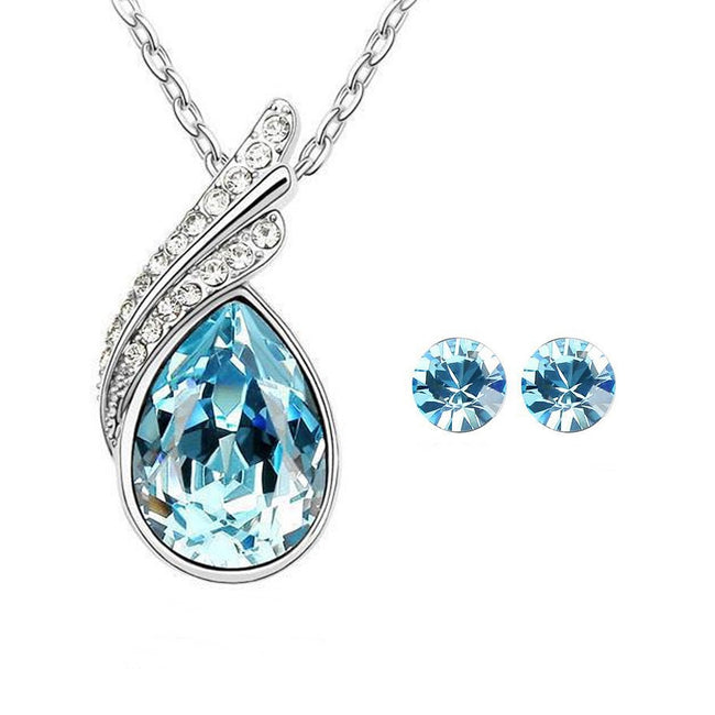 Wrapables Elegant Teardrop Swarovski Elements Crystal Pendant Necklace and Stud Earrings Jewelry Set