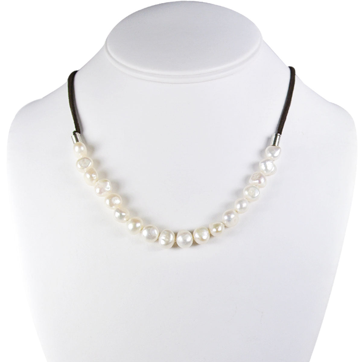 String of Faux Pearls Necklace