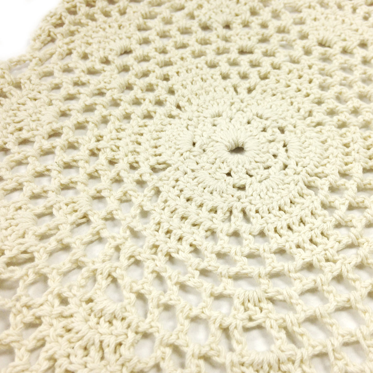 Wrapables Large Beige Round Crochet Cotton Doily Placemat, Set of 4