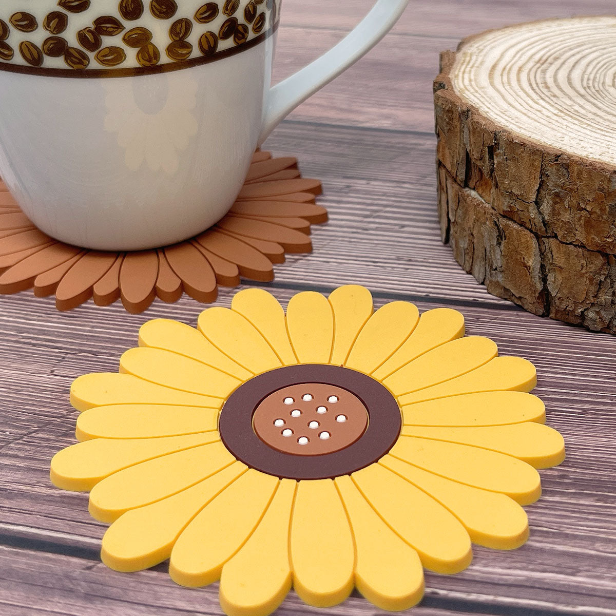 Wrapables Sunflower Coasters for Cups and Drinks (Set of 2)