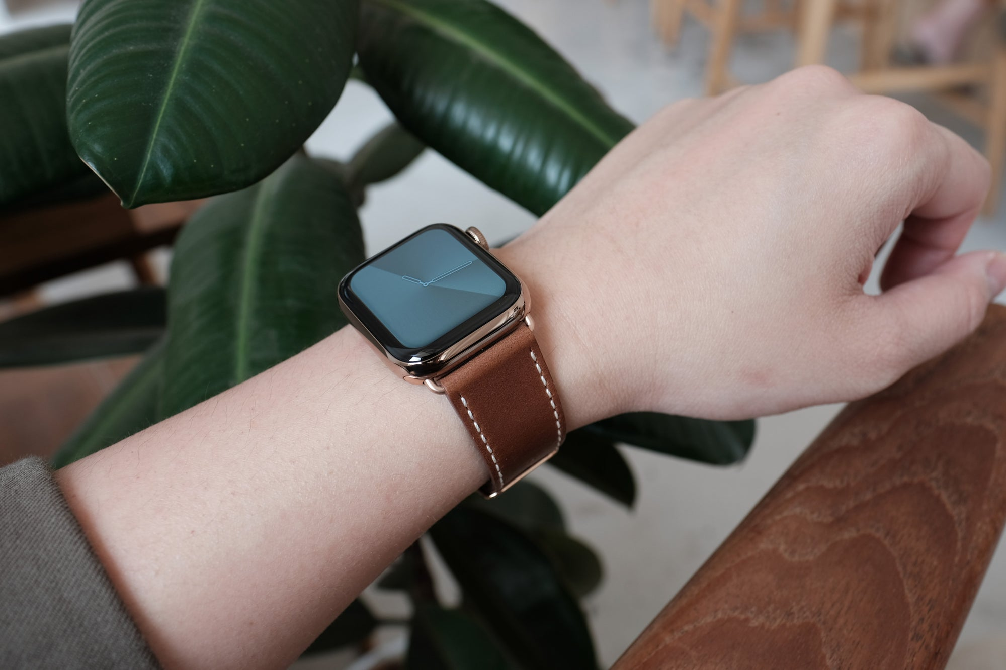 Pin and Buckle Apple Watch Bands - Full Grain Vegetable Tanned Leather - Luxe - Chestnut Brown - 3