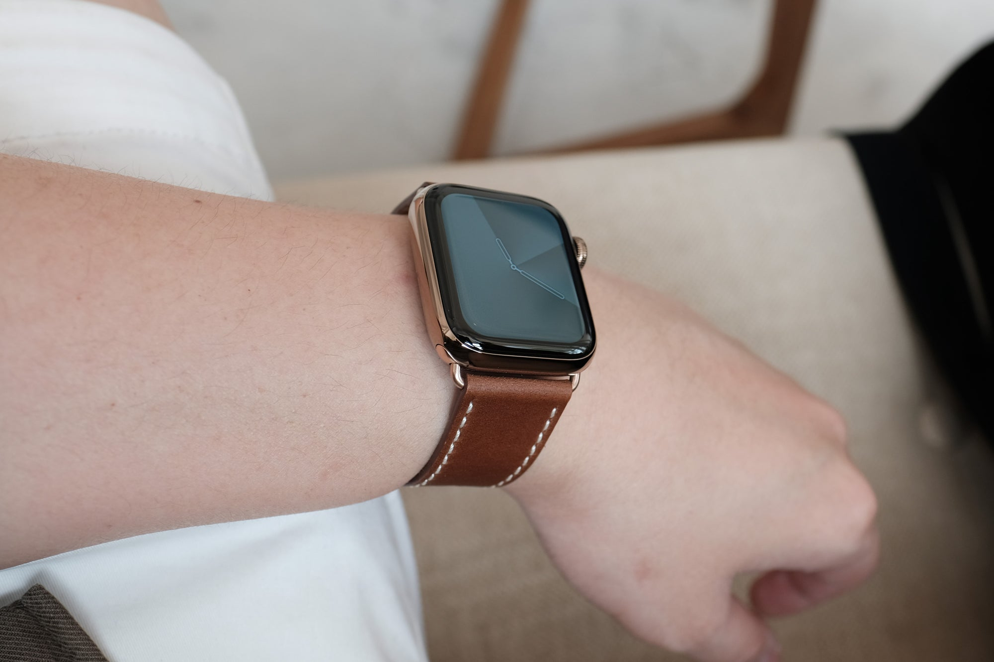Pin and Buckle Apple Watch Bands - Full Grain Vegetable Tanned Leather - Luxe - Chestnut Brown - 4