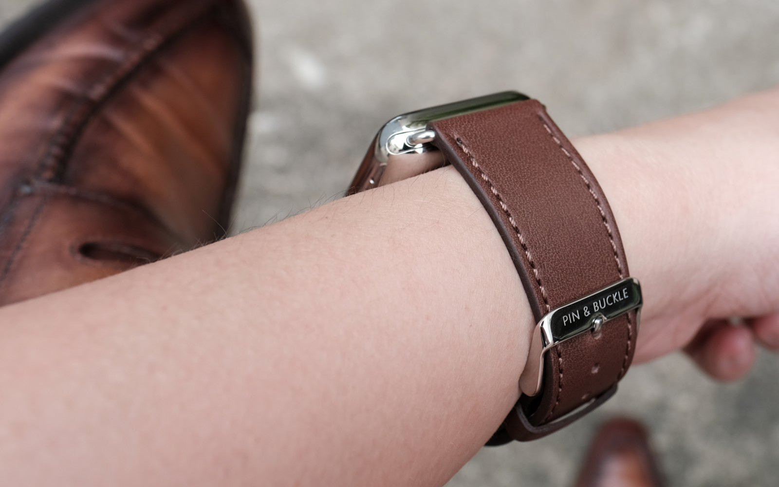 Pin and Buckle Apple Watch Straps - Reviews Banner 3