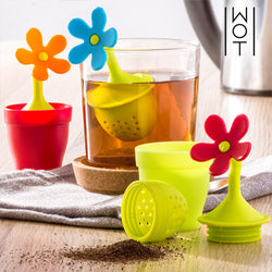 Wagon Trend Silicone Flower Tea Infuser