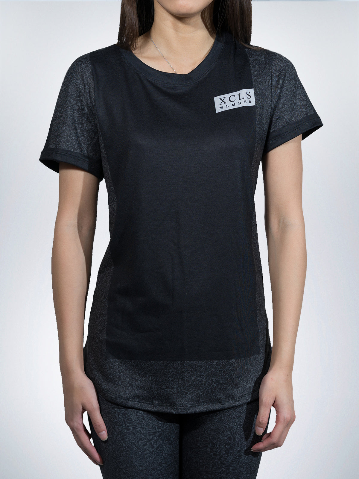 Statics Xclusive Women Tees shirts tops retro black urban