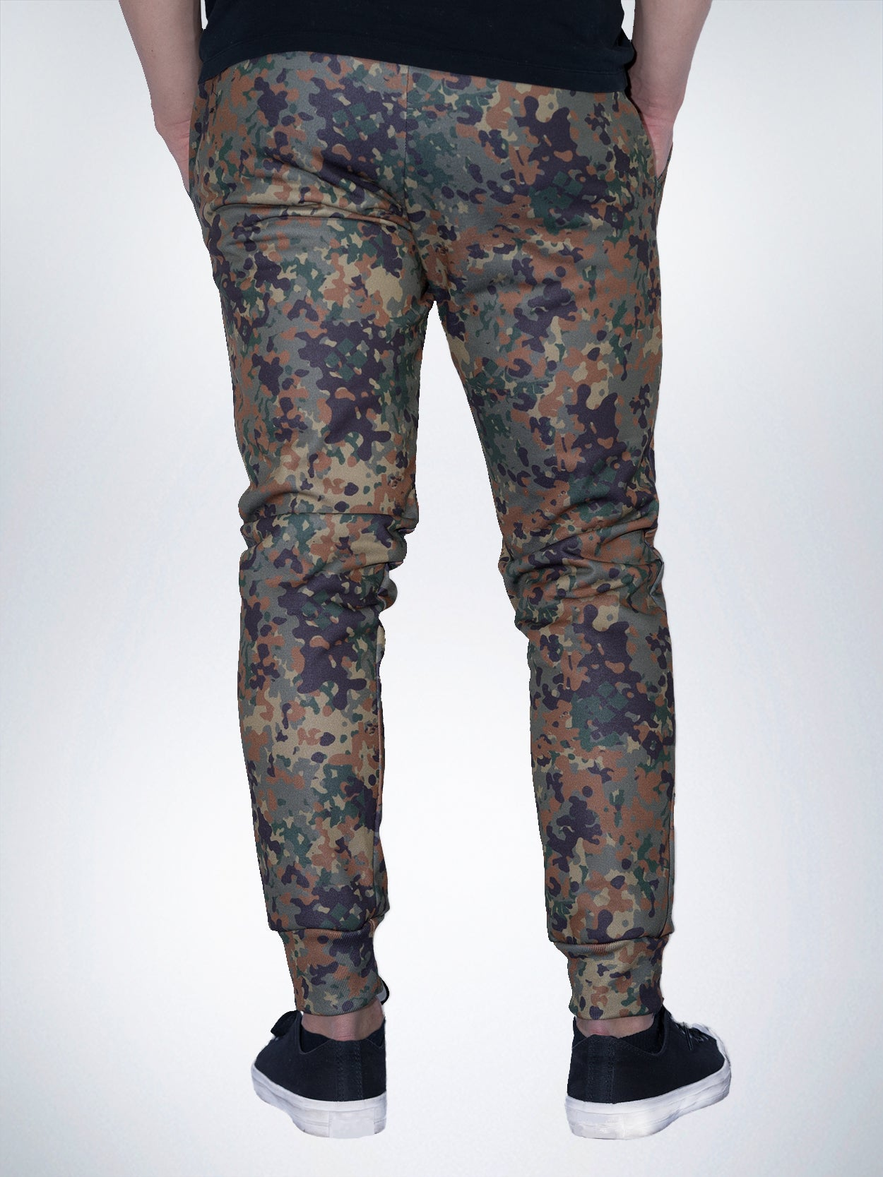 59e5ea4dc31af ... Hunter Xclusive mens jogger pant sweatpant Camo military jager camouflage  green