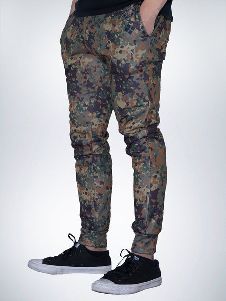 Hunter Xclusive mens jogger pant sweatpant Camo military jager camouflage green