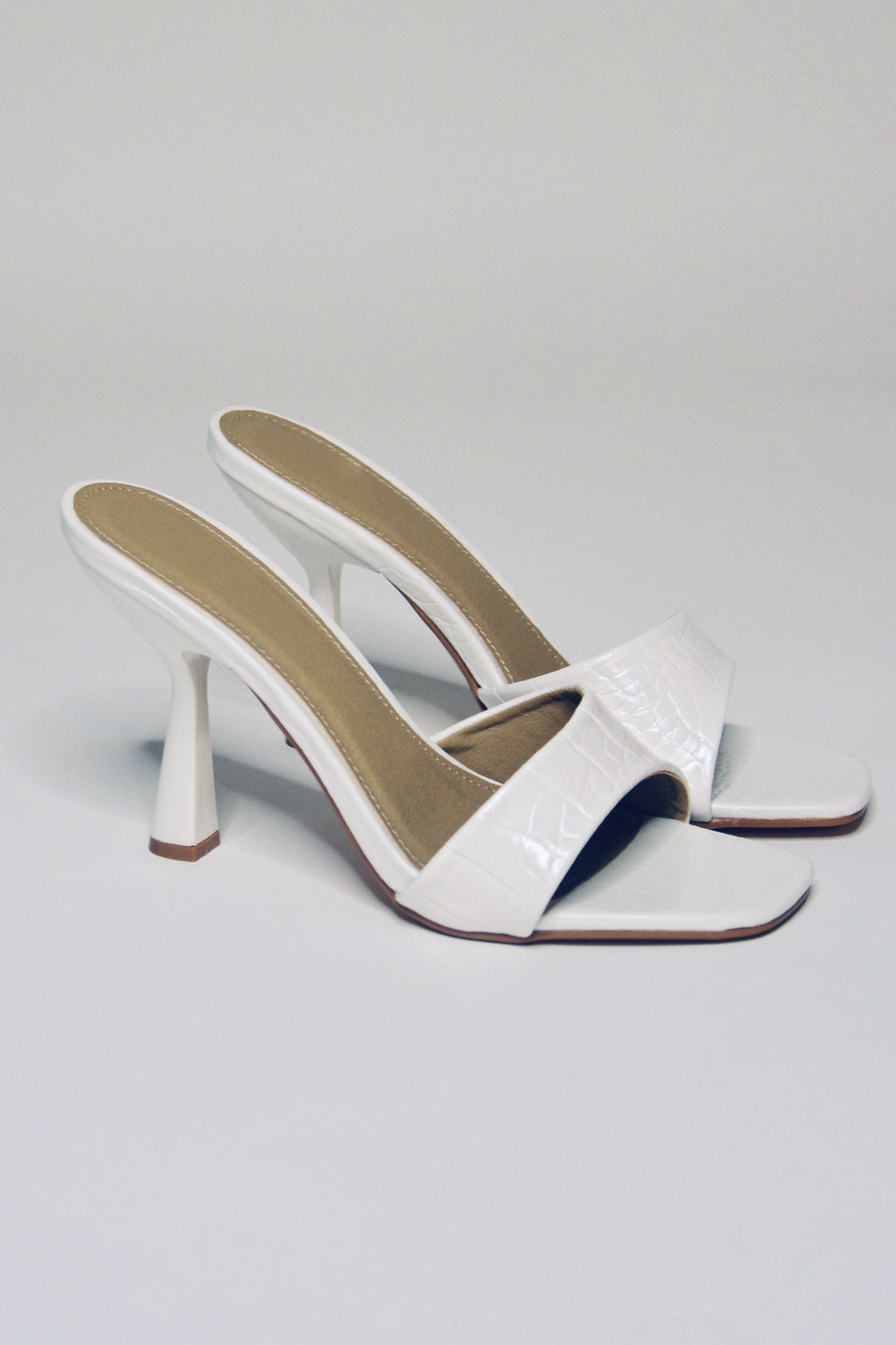 Tara | White Mules - The Minka Collection