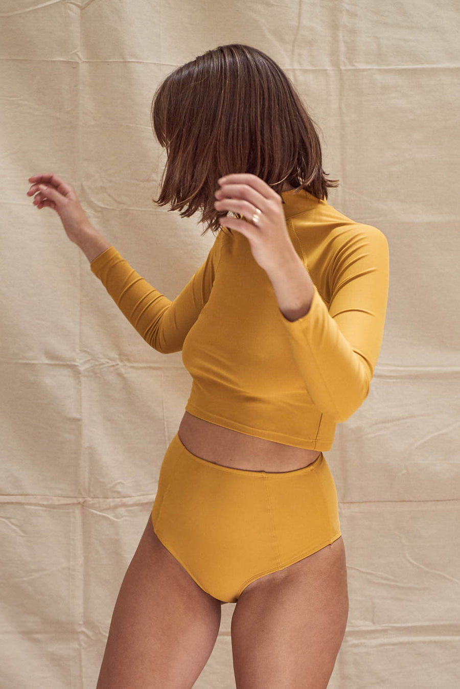 Aire Turtle Neck Mustard
