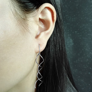 18ct White Gold Spiral Pull Through Threader Drop Earrings