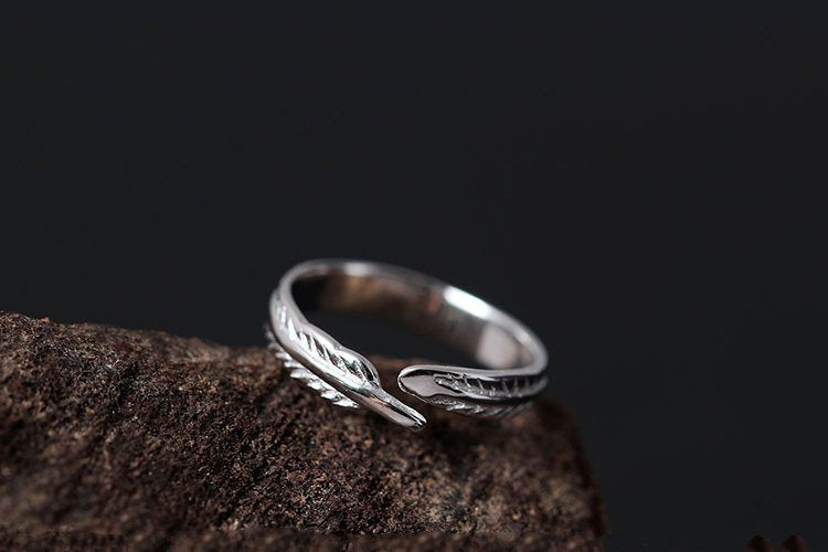 925 Sterling Silver Adjustable Feather Wrap Toe Ring - Egret Jewellery