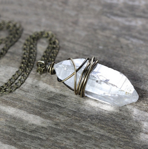 Natural Rough Quartz Healing Chakra Pendant Necklace - Egret Jewellery