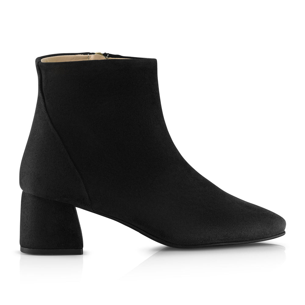 Mari Black Ankle Boots Suede Leather Zurbano