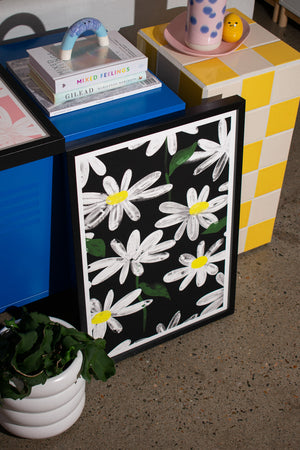 Artwork / Daisies Black