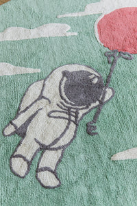 FAV 12 - Carpet Astronaut with balloon round