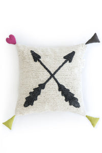 FAV 23 - Cushion XOXO arrows