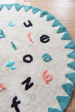 FAV 9 - carpet alphabet round