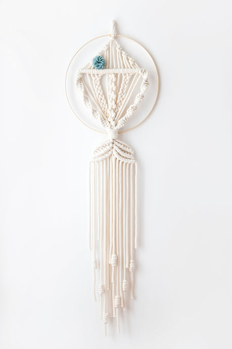 Macrame dream catcher fish, large mint