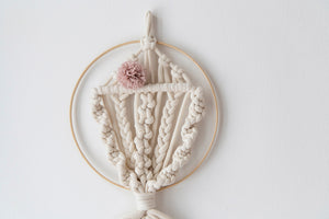 Macrame dream catcher fish, small pink