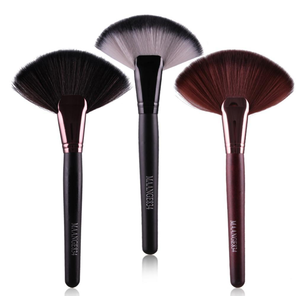 Soft Makeup Large Fan Brush