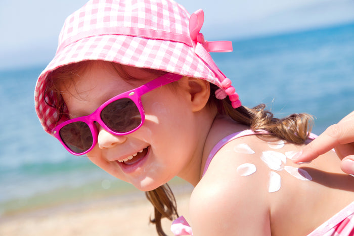 "Free Printable: Summer Coloring Checklist ""😎 Ways to Stay Safe in the Summer Heat 🌡️"""