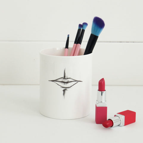 'Smile' Supersized Makeup Brush Pot