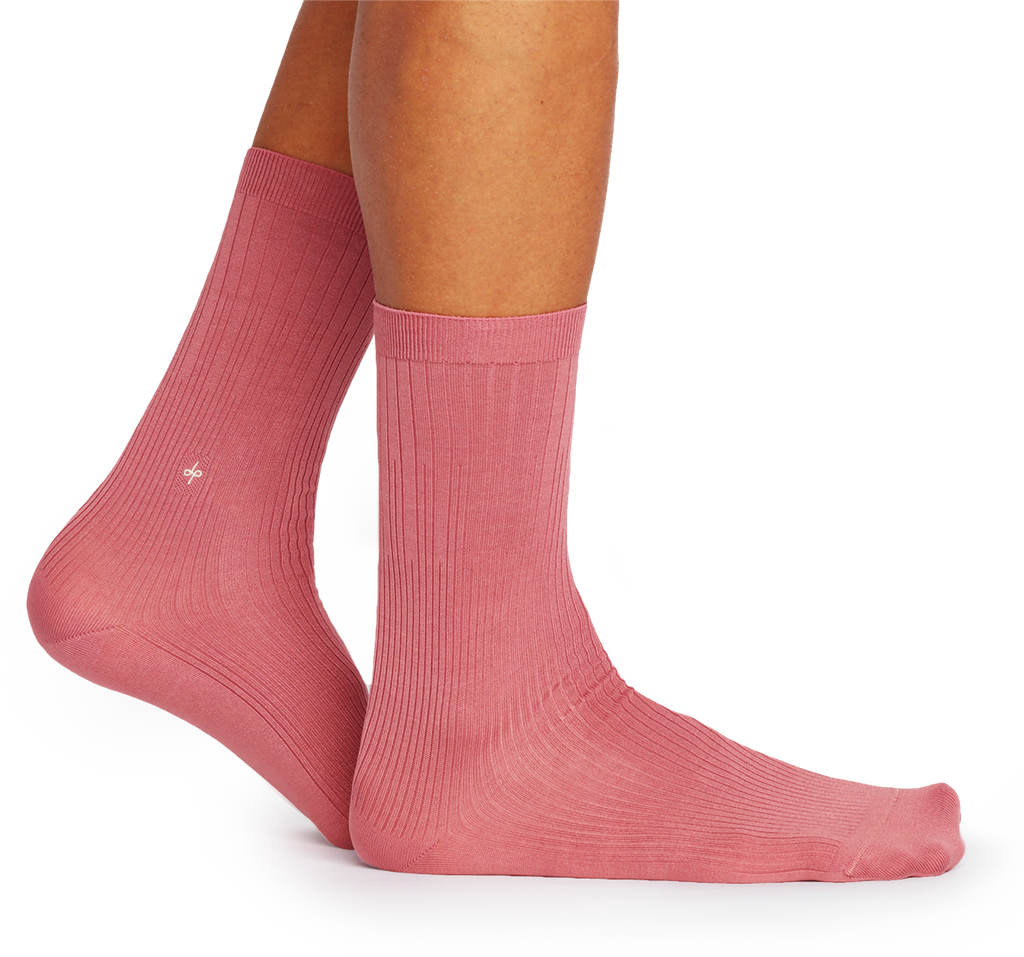 Dueple Model with Pink Swiit Sock