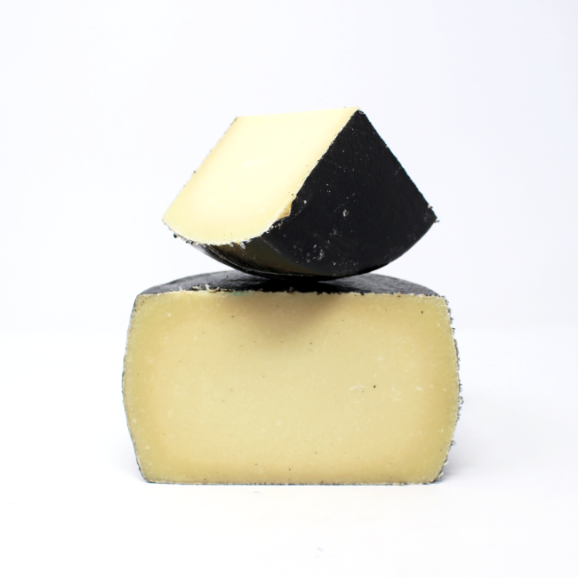 Pecorino Sarde Fiore Cheese - Cured and Cultivated