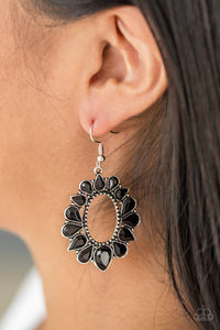 Paparazzi Jewelry Earrings Fashionista Flavor Black